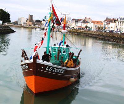 Le Kifanlo revenant au port