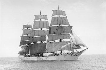 sailing-vessel-63060_1280